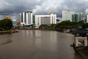 Hotels am Lemanak Fluss an der Waterfront Kuching Borneo